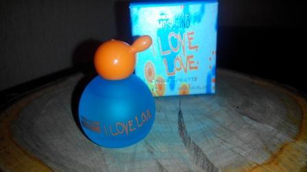 Moschino-Cheap-And-Chic-I-Love-Love